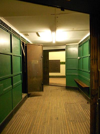 aldwych-lift