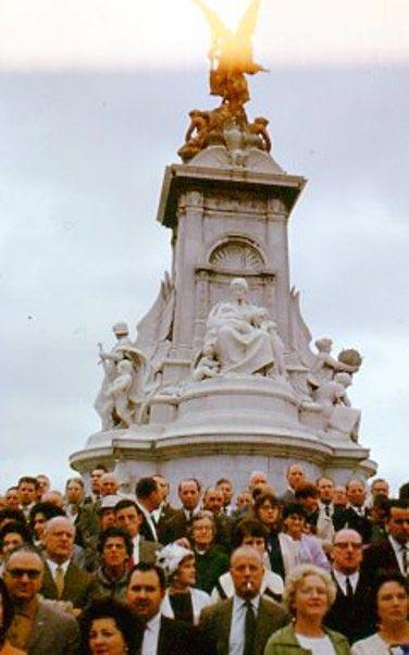 queen-victorias-monument